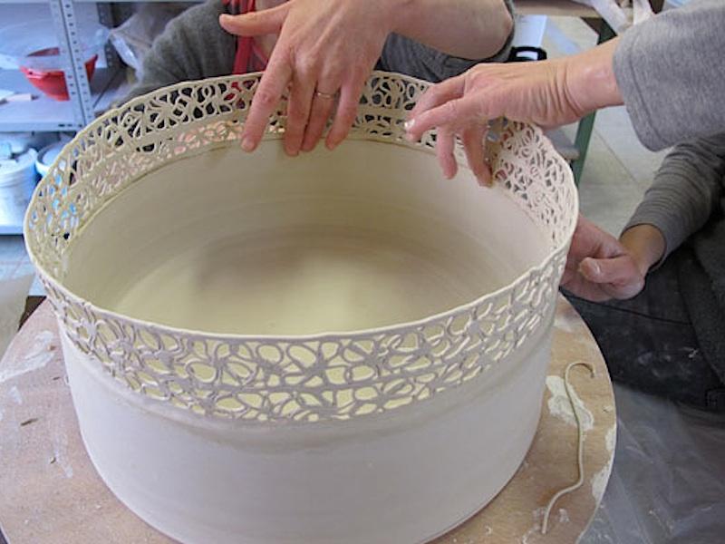 H l ne lathoum tie porcelaine et verre fil - Salon porcelaine lyon ...